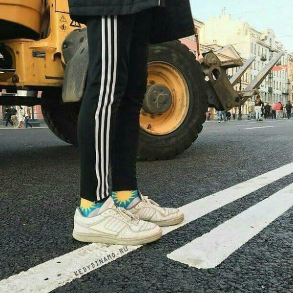 купить белые кроссовки мужские