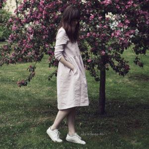 белые женские кроссовки