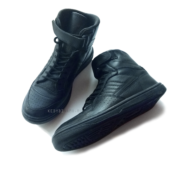 Высокие черные кожаные кроссовки