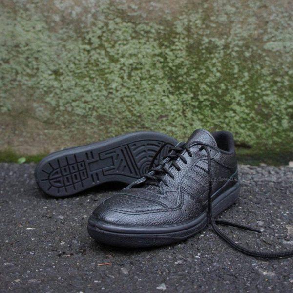 Черные кроссовки демисезон