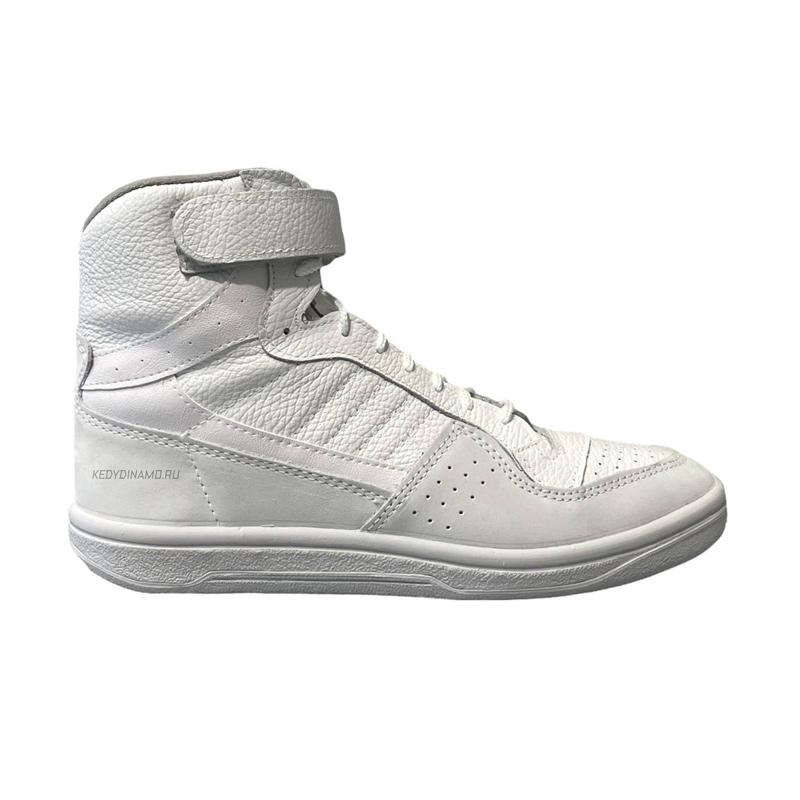Высокие белые кроссовки
