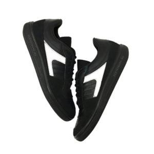 Рефлективные кроссовки