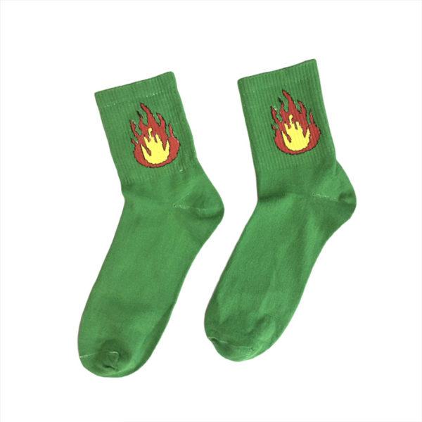зеленые носки с огнем