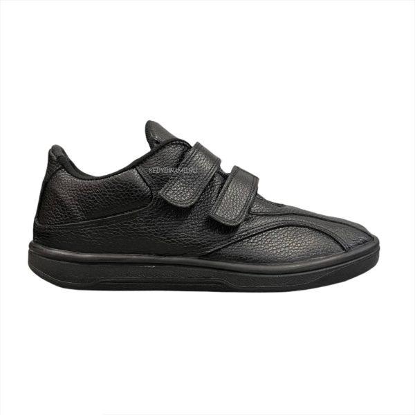 черные кроссовки на липучке