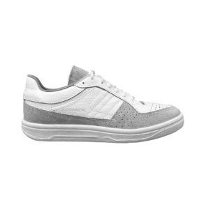 Белые кроссовки с замшей